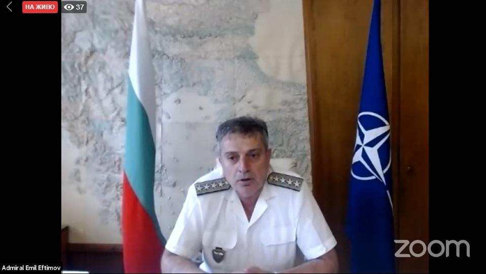 Младежки посланици на НАТО на онлайн дискусия с началника на отбраната