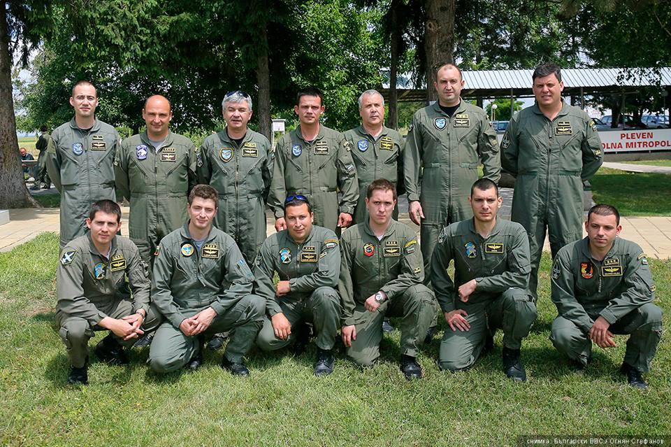 ГОРЕЩО: ЕТО ТОЧНИТЕ ЕТАПИ НА ПОДГОТОВКАТА НА БЪЛГАРСКИТЕ ПИЛОТИ ЗА БЪДЕЩИЯ ИЗТРЕБИТЕЛ F-16! (ОТГОВОР ОТ МО)