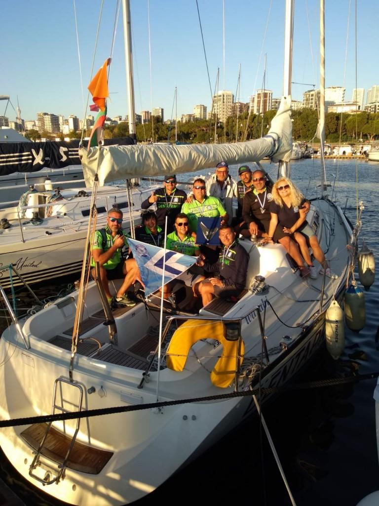 Бургаски ветроходци с първо място на престижна международна регата