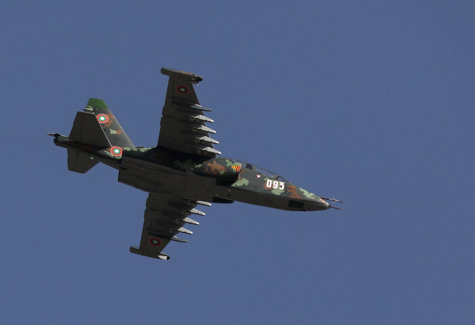 ГАЛЕРИЯ БРИЗ 2021: Су-25 от авиобаза Безмер с успешни полети над море