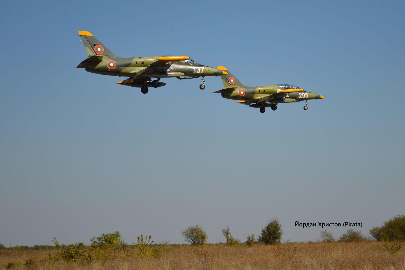 ГАЛЕРИЯ: САМОЛЕТИ L-39ZA С ПОЛЕТИ В АВИОБАЗА ДОЛНА МИТРОПОЛИЯ