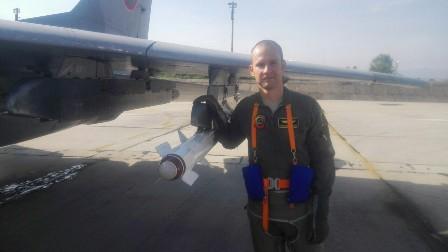 ГАЛЕРИЯ: ОТЛИЧНО ПРЕДСТАВЯНЕ НА ЕКИПАЖИТЕ НА ИЗТРЕБИТЕЛИ МИГ-29 ОТ АВИОБАЗА ГРАФ ИГНАТИЕВО!