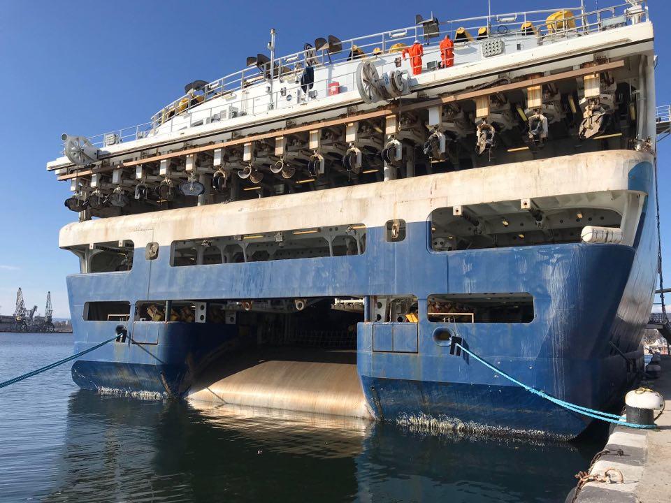 ГАЛЕРИЯ: ВИЖТЕ КАКВО КОРАБНО ЧУДО АКОСТИРА ВЪВ ВАРНА - OCEANIC VEGA