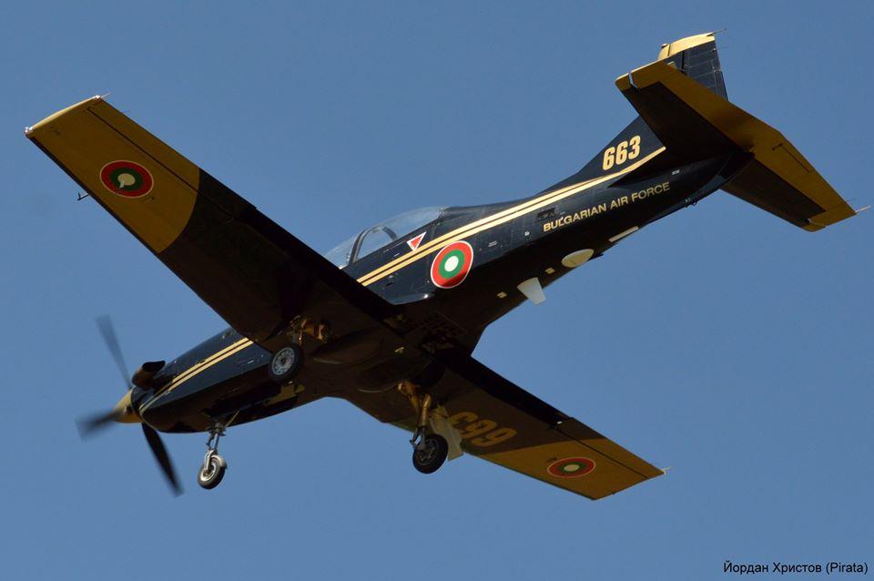 ГАЛЕРИЯ: ПОЛЕТИ, ПОЛЕТИ, ПОЛЕТИ С PC-9, PC-12 И L-39ZA В АВИОБАЗА ДОЛНА МИТРОПОЛИЯ
