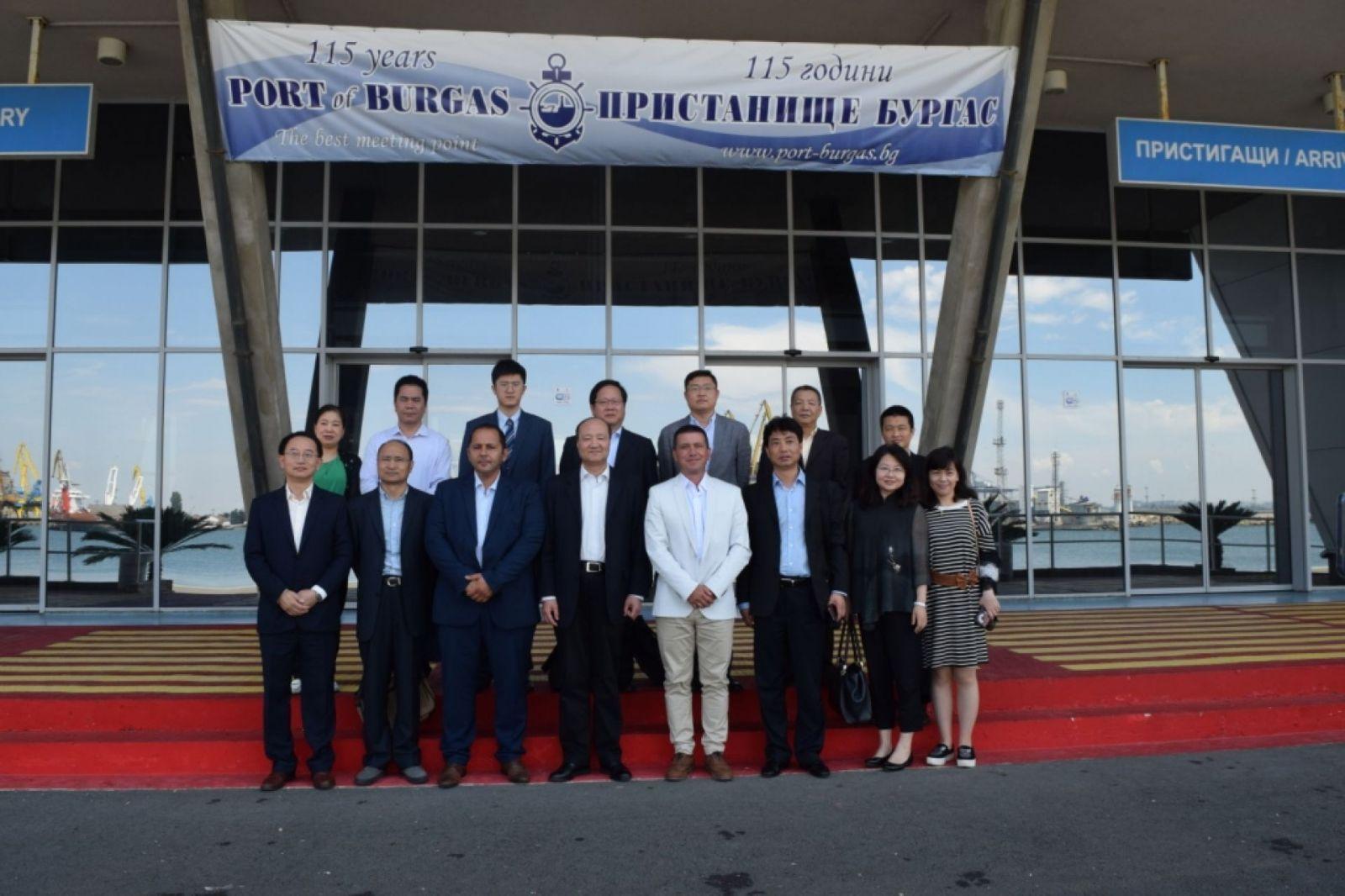 Посещение в Бургас на делегация от Пилотната Китайска (Шанхайска) зона за свободна търговия