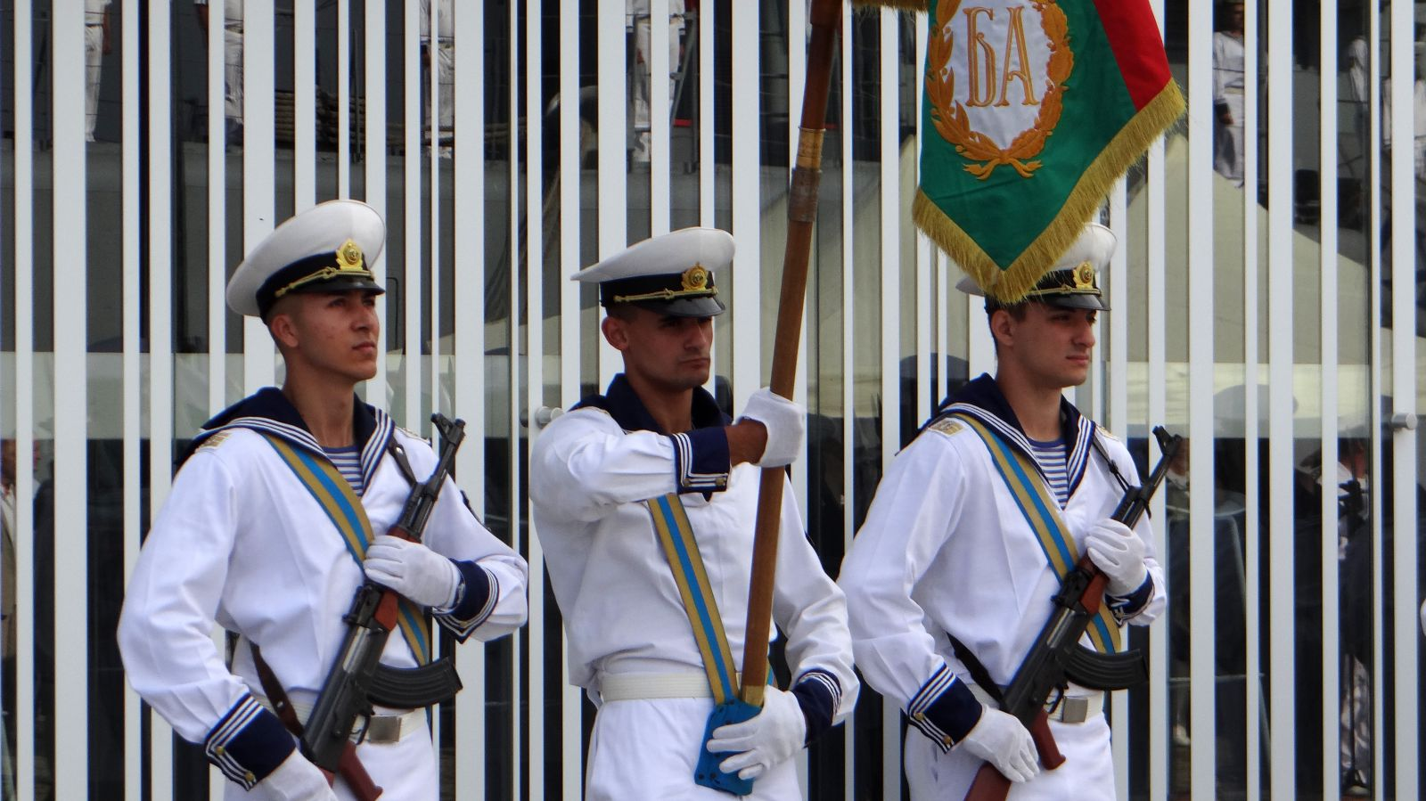 ГАЛЕРИЯ: ЛИЦАТА И ПРАЗНИКА НА ВМС - ЧАСТ 1