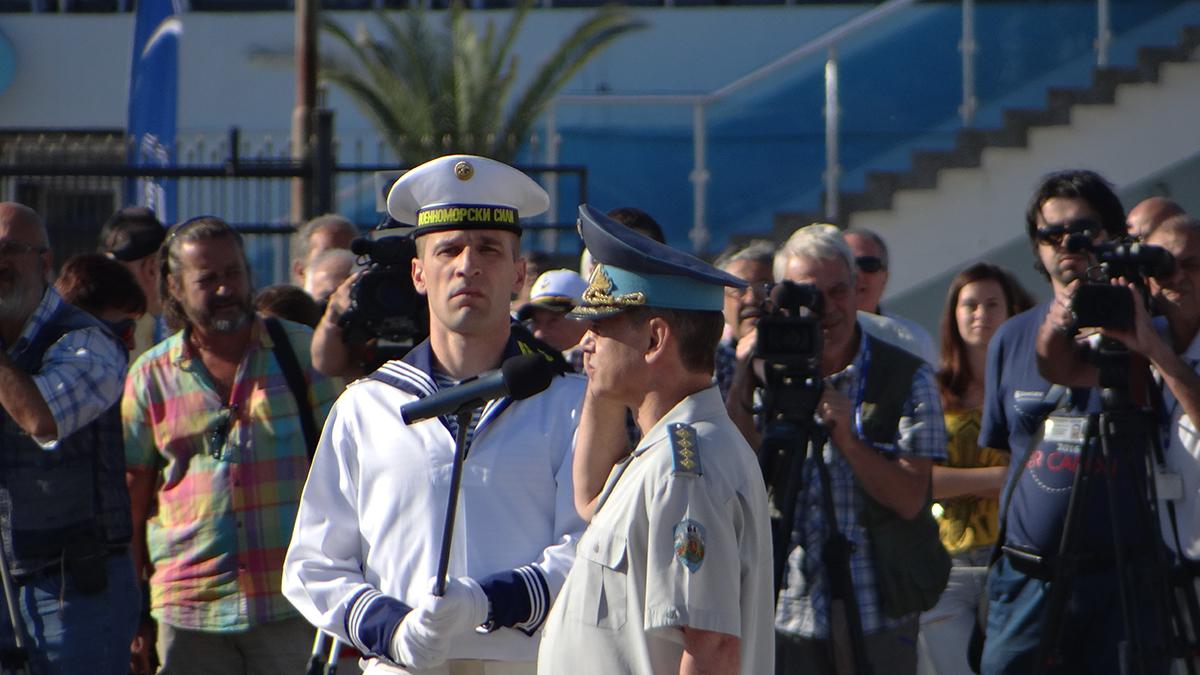 ПРАЗНИЧНИ СНИМКИ: 137 ГОДИНИ БЪЛГАРСКИ ВМС!