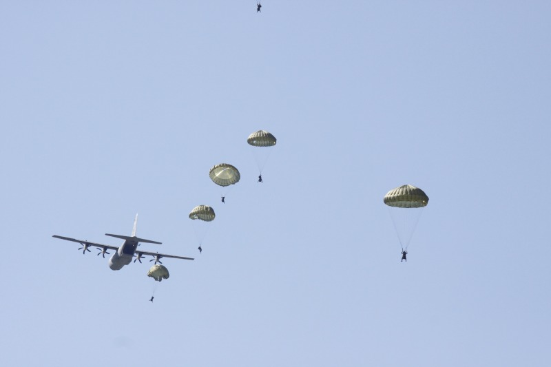 """More than 1000 paradrops from C-27 and C-130 were performed in """"Thracian Spring-2017"""""""