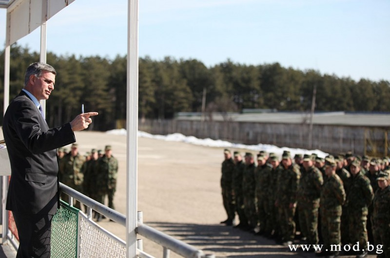 Photo feature: Bulgarian Minister of Defense visits 61st Land Forces Brigade in Karlovo