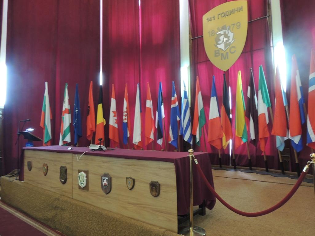 ФОТО-ГАЛЕРИЯ: НАГРАДИ ЗА ВОЕННОСЛУЖЕЩИ И ЦИВИЛНИ СЛУЖИТЕЛИ ОТ ВМС