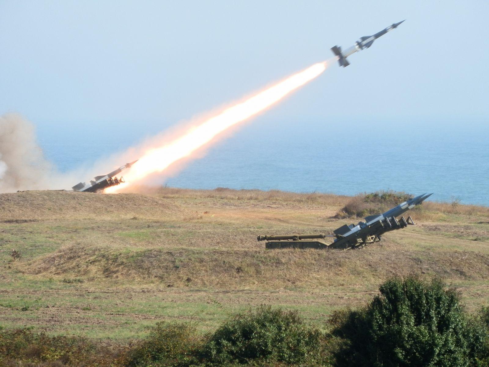 Обявен е конкурс за  заемане на 216 войнишки длъжности във Военновъздушните сили