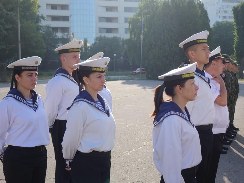 Във ВВМУ: Повишаване на военнослужещи във военно звание (СНИМКИ)