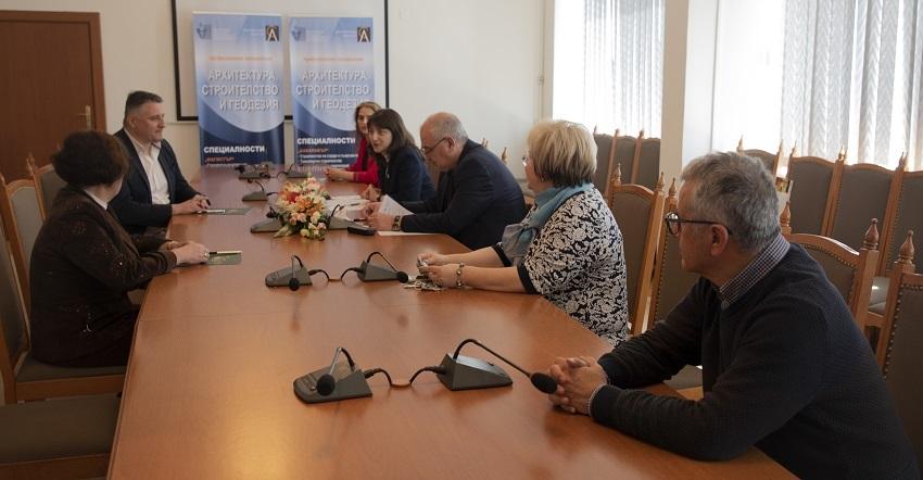 """Над 20 главни архитекти в Североизточна България са възпитаници на ВСУ """"Черноризец Храбър"""""""