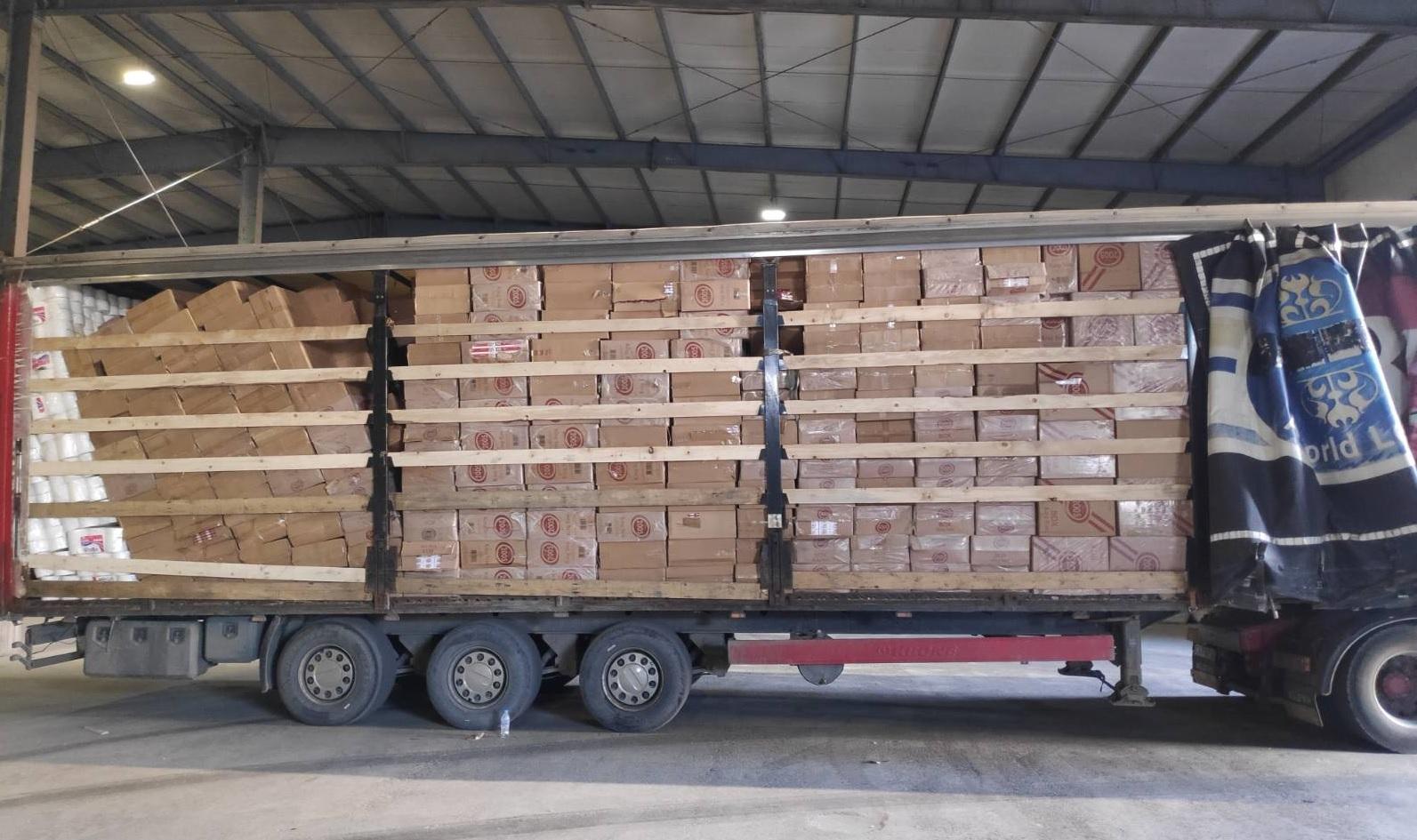 Митнически служители задържаха над 13 млн. къса контрабандни цигари в полуремарке, натоварено на ферибот от Грузия