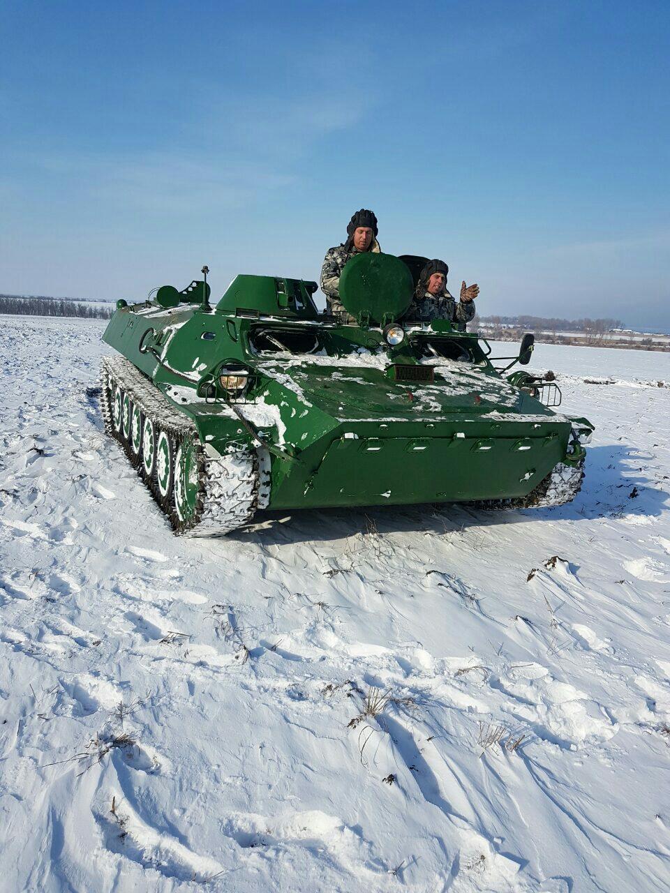 СНИМКИ: Воини от Зенитно-ракетната база помагат на бедстващата област Добрич