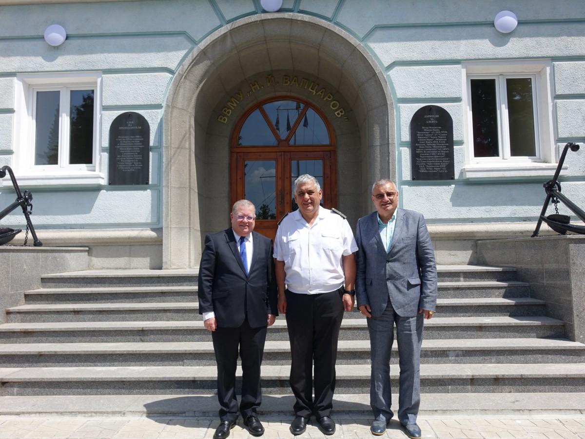 Посланикът на държавата Израел посети Морско училище