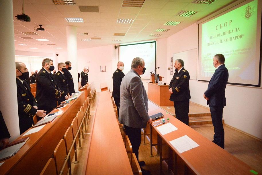 Кметът на Варна Иван Портних участва в командирски занятия на ВВМУ