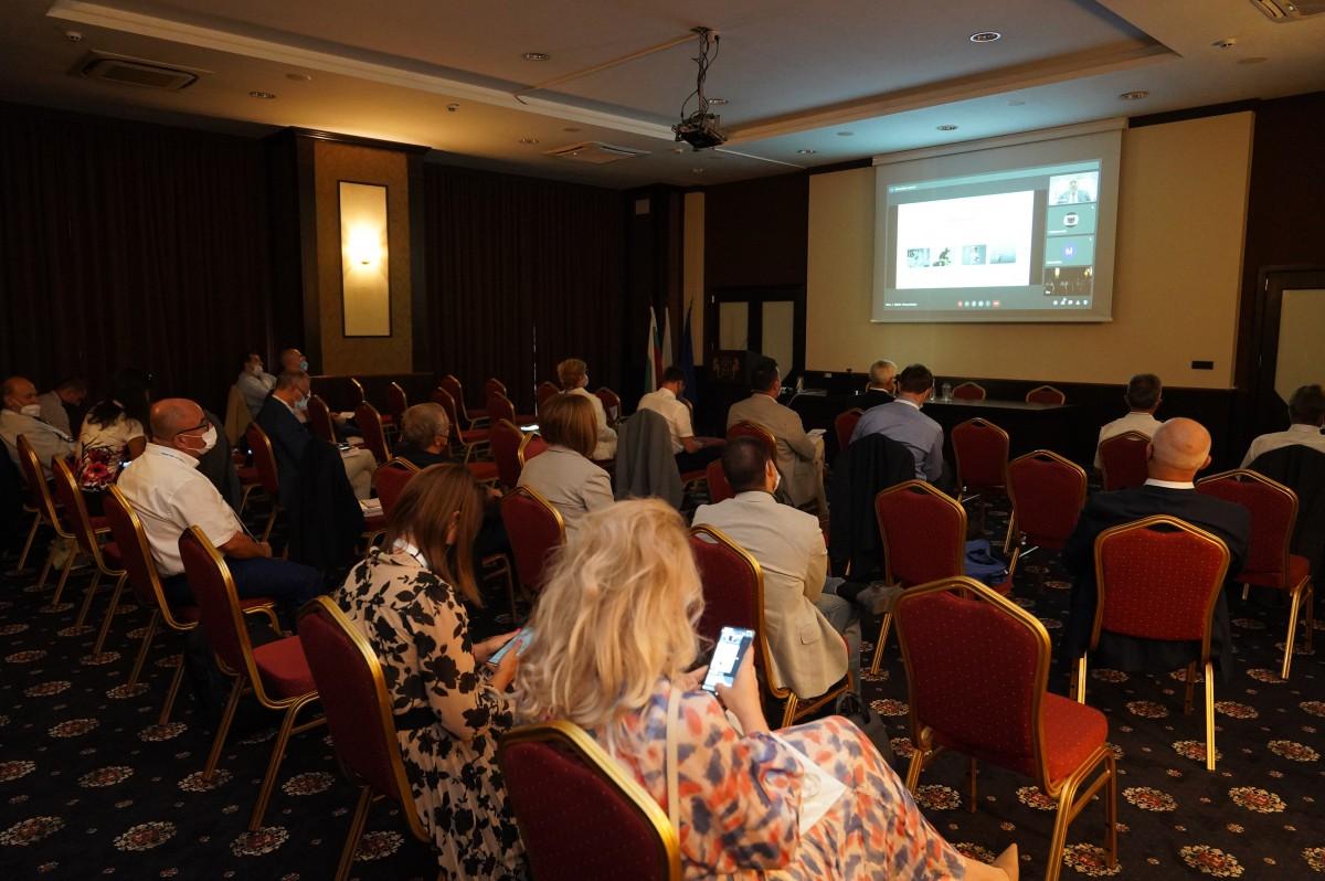 Снимки: Морско училище – домакин на международната научна конференция IMSC - 2021