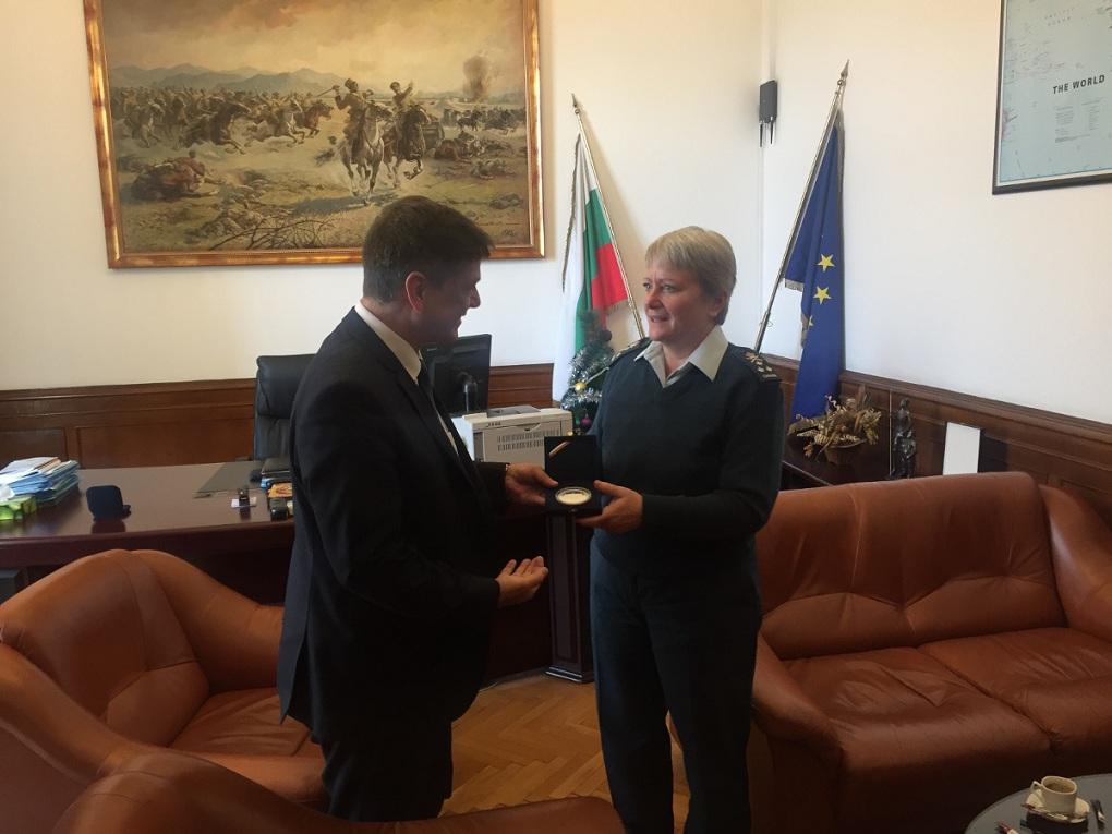 Председателят на комисията по отбрана генерал Константин Попов се срещна с коменданта на Колежа по отбрана на НАТО генерал-лейтенант Кристин Уайткрос