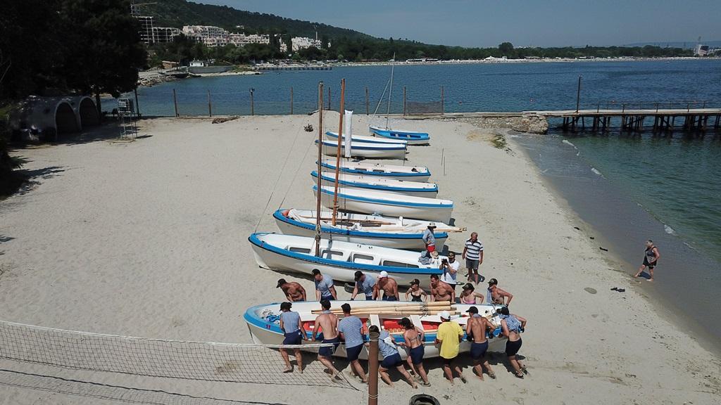 Фото-галерия: Студенти от ВВМУ започнаха лагер по морска подготовка