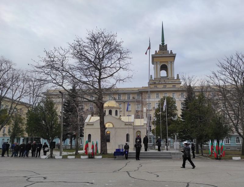 """Фото-галерия: Във ВВМУ """"Н. Й. Вапцаров"""" бе отбелязан Денят на органите за логистично осигуряване – 1 март"""