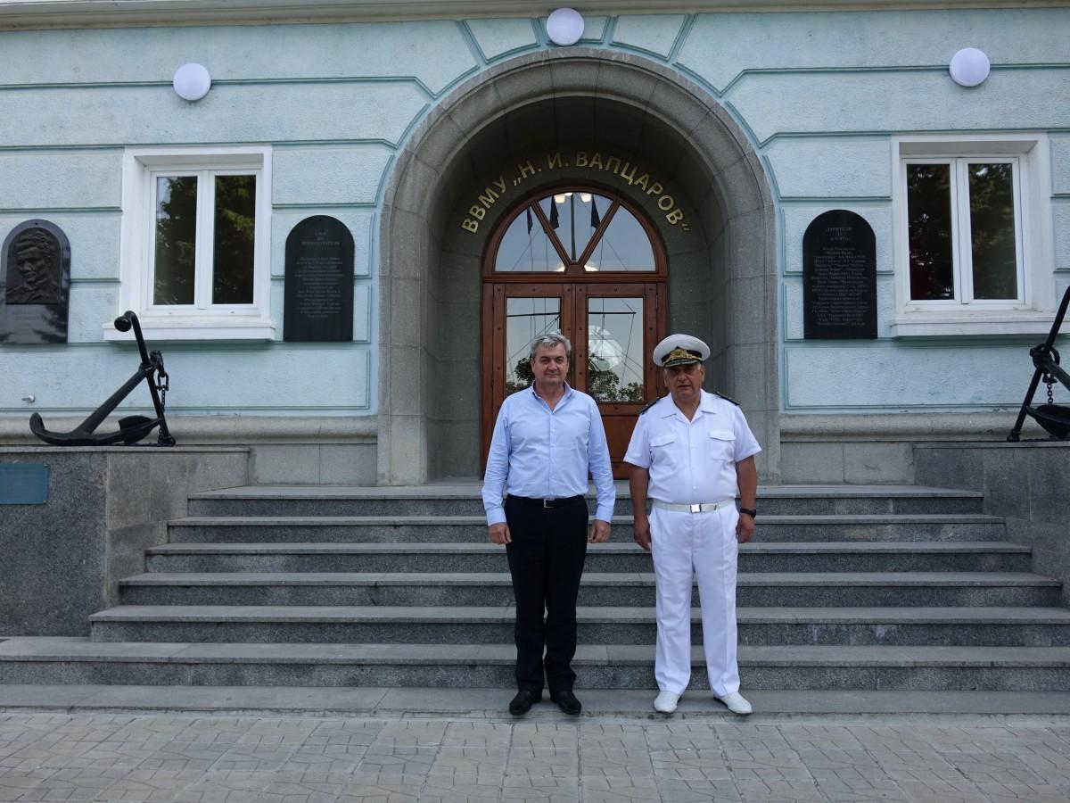 Заместник-министърът на отбраната посети Морско училище