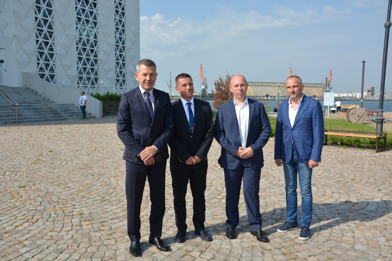 Българската страна подкрепя идеята за обявяването на моряците за ключови работници