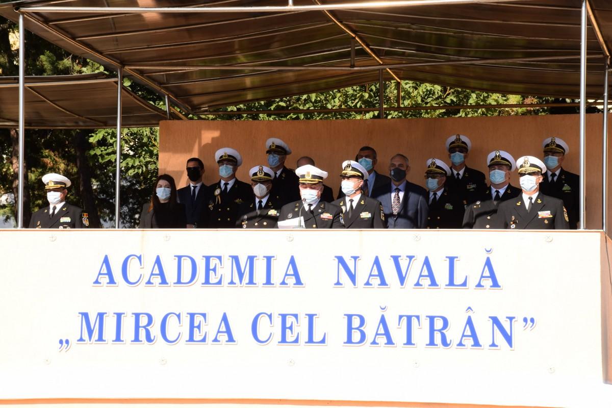 Снимки: Курсант от Морско училище започна учебната година във Военноморската академия в Констанца