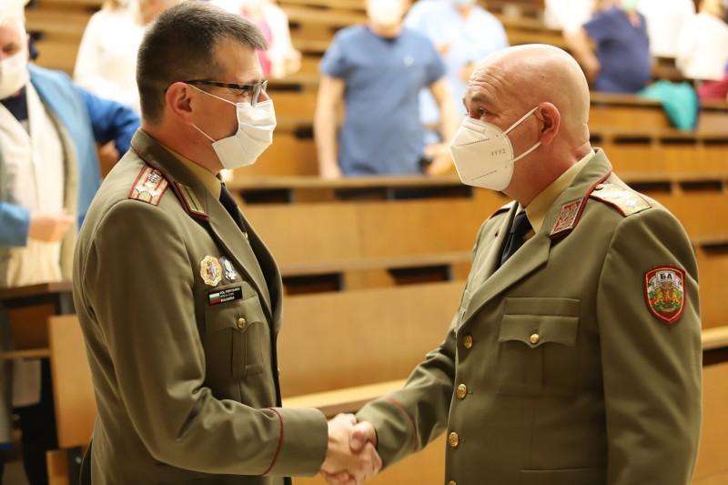 ВВМУ с поздравителен адрес до новия зам.-началник на Военномедицинска академия