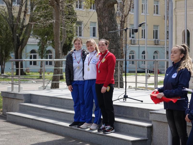 Морско училище обра медалите на Държавното военно първенство по плуване