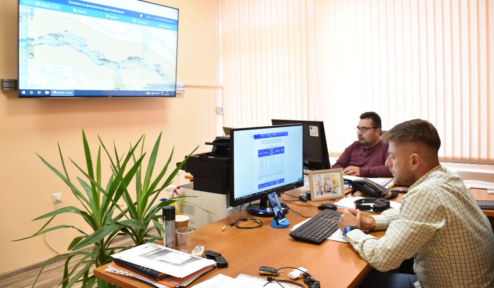 Набелязаха мерки за обезпечаване на корабоплавателния път в общия българо-румънски участък на р. Дунав