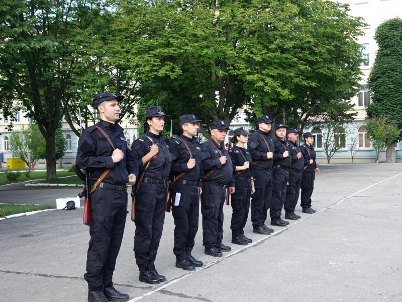 Фото-галерия: 40 кадети от Старшинския колеж положиха държавни изпити
