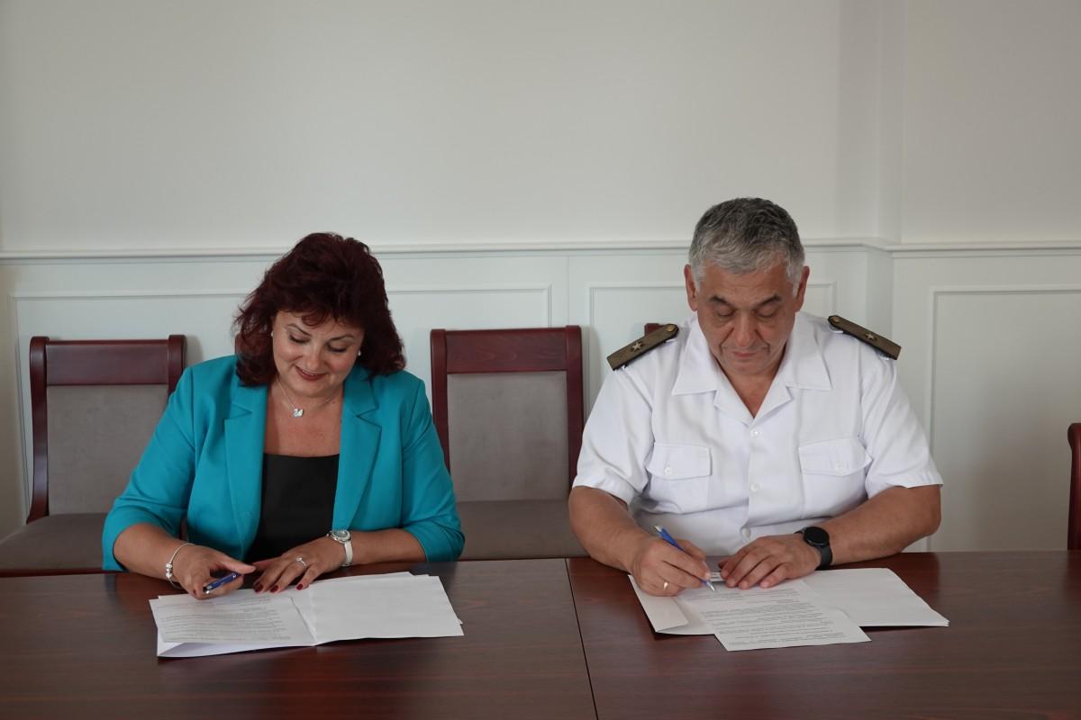 """Снимки: Морско училище и ВТУ с нова съвместна специалност """"Логистика"""""""