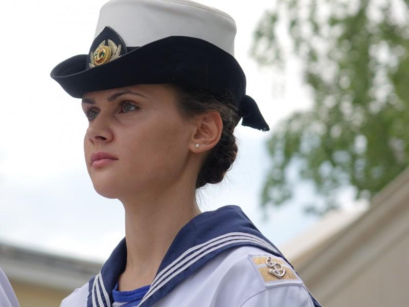 Фото-галерия: Жена взе властта в Морско училище