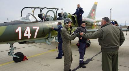 Започна курс за приучване на L-39ZA в авиобаза Граф Игнатиево