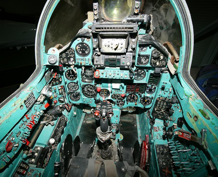 Съветска военна техника в авиобаза Нелис (снимки)