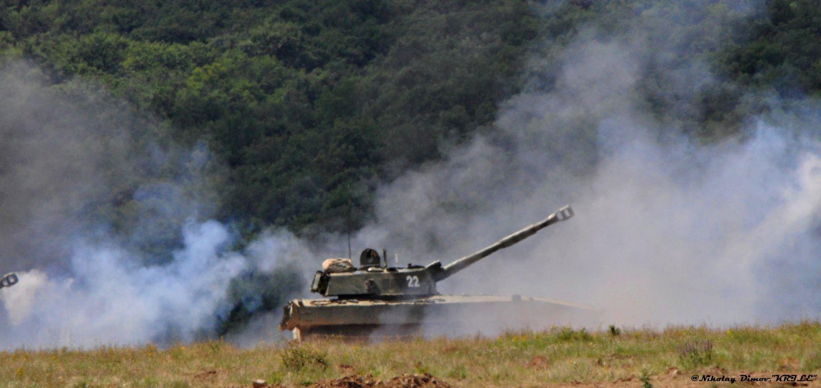 """ЕФЕКТНО ВИДЕО: Учението """"Ответен удар-2019 г."""" - Огнева подготовка и контраатака на пехотата (3 част)"""