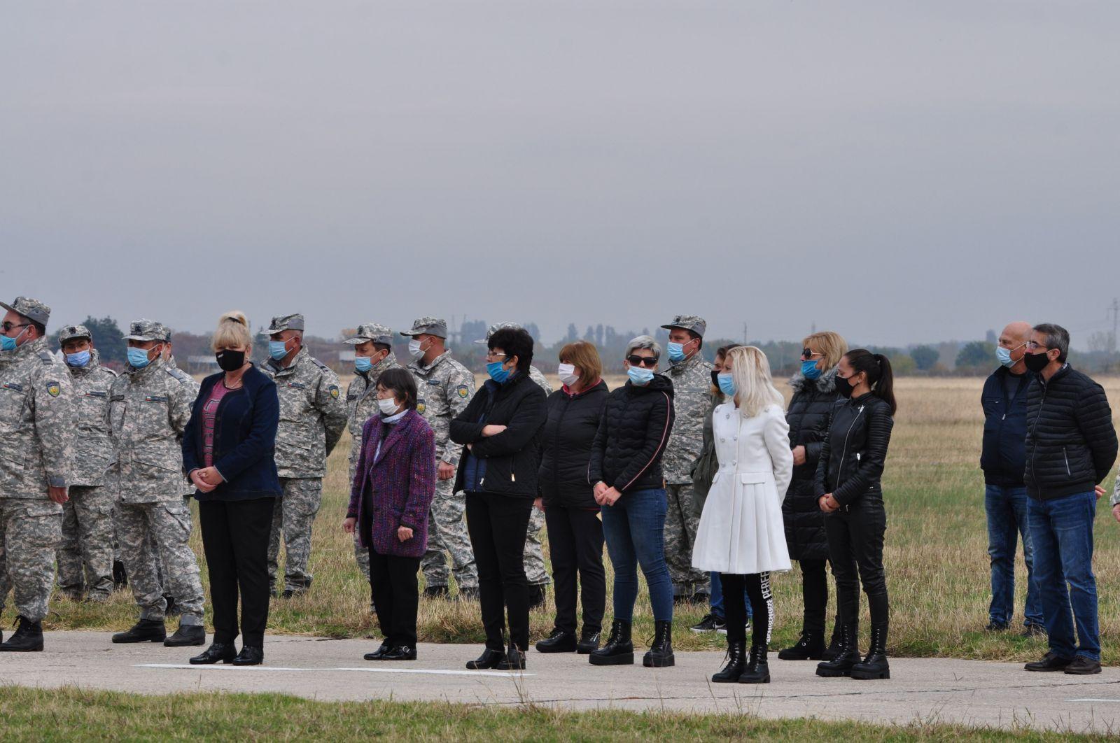 Тържествено отбелязване на празника на 24-та Авиобаза Крумово - ХОРАТА (фотогалерия) - 2 част