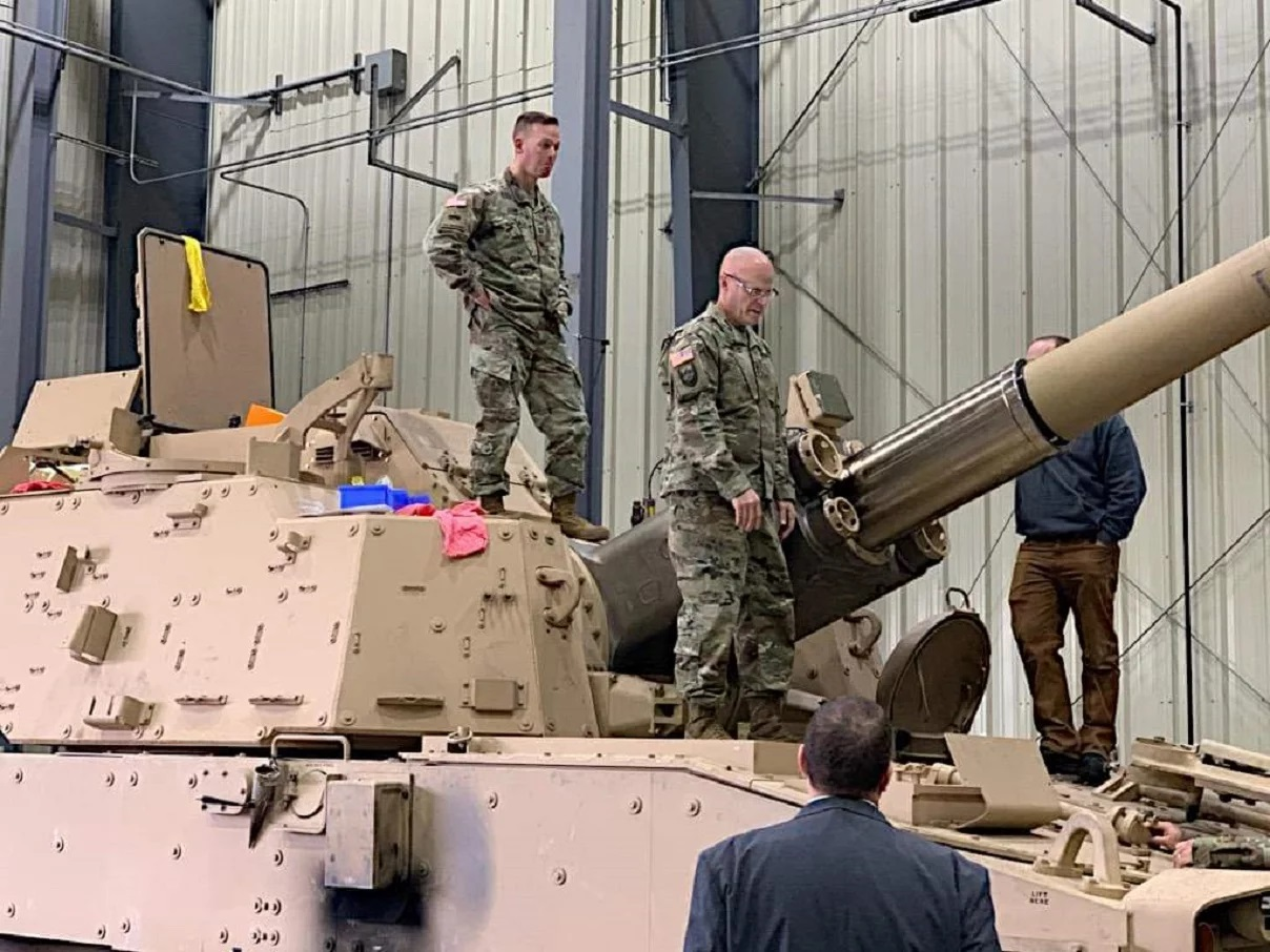 Leaked photos show new U.S. Army super cannon in stunning detail