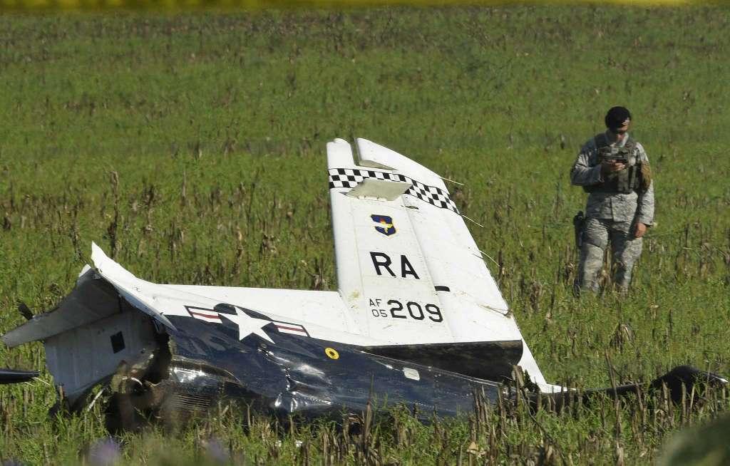Авария с учебен самолет  T-6 Texan II  на американските ВВС (видео§снимки)