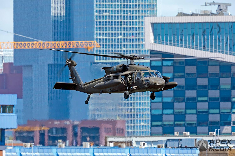 77 американски хеликоптера се пребазират от Европа в САЩ (снимки)