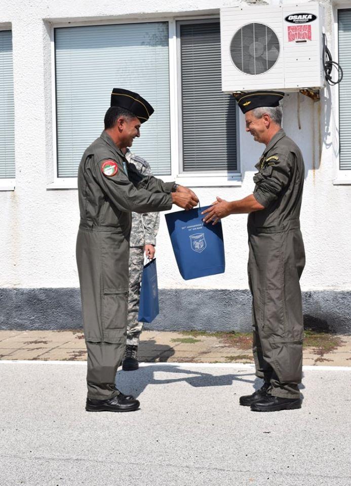 Подполковник Петко Кискинов и  майор Пламен Начев от Авиобаза  Крумово преминаха в резерва