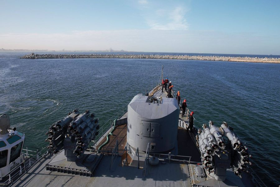 """След 54 години български военен кораб с името """"Смели"""" отново е посрещнат в Александрия"""