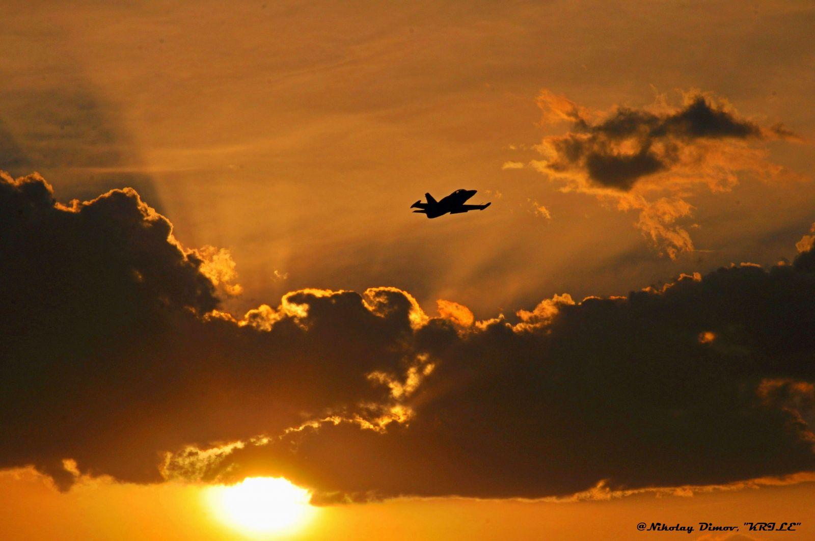 Залези през август над Авиобаза Граф Игнатиево (фотогалерия-1)