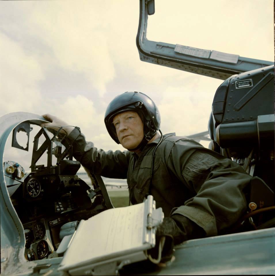 84 години от рождението на знаменития летец-изпитател и космонавт Игор Волк, голям приятел на България