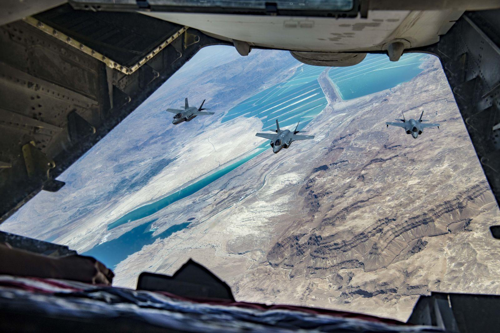 """Американски изтребители F-35A във второ учение """"Enduring Lightning II"""" с израелски F-35I (уникални снимки)"""