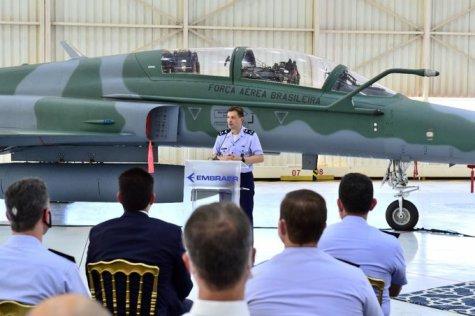 Бразилските ВВС получиха последния модернизиран изтребител F-5M