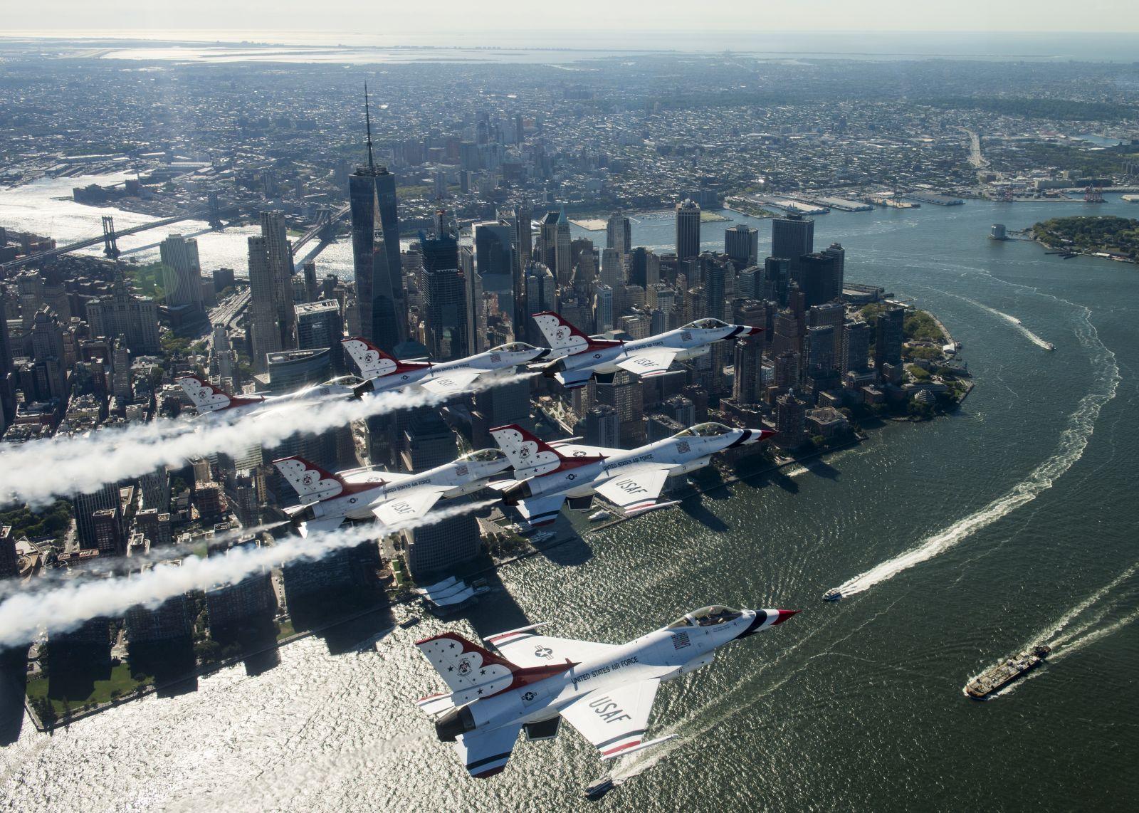 Уникално авиошоу на 22 август над Манхатън!