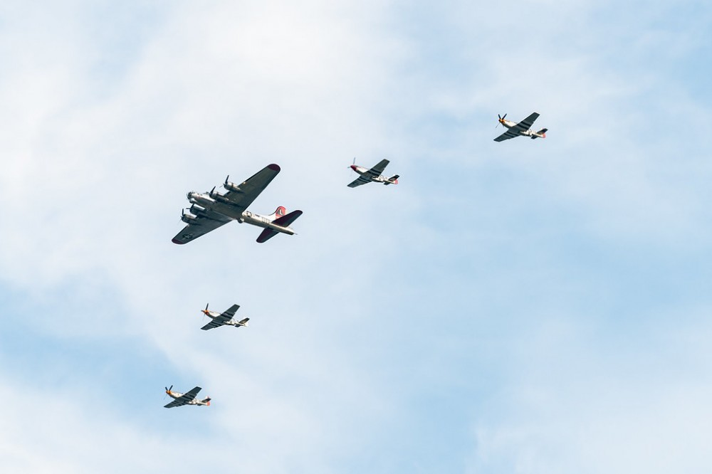 Авиационен парад в чест на Деня на независимостта на САЩ (видео и снимки)