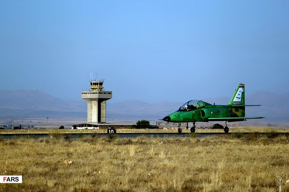 Първи полет на иранския реактвен УТС Yasin